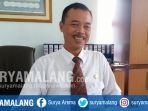 kepala-biro-administrasi-akademik-dan-kemahasiswaan-uin-maliki-drs-h-achmad-heru-ah-msi_20170612_163120.jpg