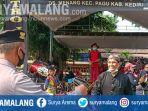 kepolisian-membubarkan-kerumunan-massa-di-kecamatan-pagu-kabupaten-kediri.jpg