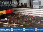 kericuhan-demonstrasi-mengakibatkan-sejumlah-barang-rusak-di-sekitar-dprd-kota-malang.jpg