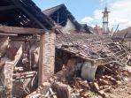 kerusakan-gempa-bumi-di-desa-majang-tengah-dampit-kabupaten-malang.jpg