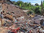 kerusakan-rumah-gempa-bumi-di-desa-jogomulyan-tirtoyudo-kabupaten-malang.jpg