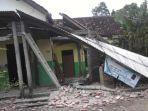 kerusakan-rumah-warga-tulungagung-karena-gempa-bumi-sabtu-1042021.jpg