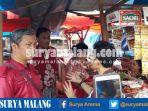 ketua-dprd-kota-malang-arief-wicaksono-batik-merah-putih-menemui-pedagang-pasar-merjosari_20170504_201348.jpg