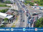 kondisi-kepadatan-lalu-lintas-di-simpang-mengkreng-menuju-nganjuk_20170626_160840.jpg
