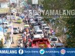 kondisi-lalu-lintas-di-depan-pasar-singosari-kabupaten-malang-lebaran_20170629_152154.jpg