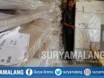 kotak-suara-yang-akan-digunakan-dalam-pemilu-2019-di-kota-batu_20181025_130255.jpg