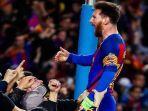 lionel-messi-digoda-barcelona-dan-manchester-united.jpg