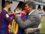 lionel-messi-presiden-barcelona-joan-laporta.jpg