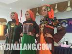 lomba-hijab-istri-polisi_20150404_193728.jpg