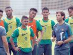 luis-milla-pelatih-timnas-indonesia_20170308_221426.jpg