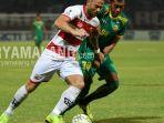 madura-united-vs-sriwijaya-fc-dalam-leg-1-babak-16-besar-piala-indonesia-2018.jpg