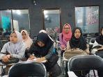mahasiswa-ibu-malang-ikut-tes-mengajar-di-thailand.jpg