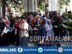 mahasiswa-universitas-brawijaya-ub-demonstrasi-di-depan-gedung-rektorat-ub_20171027_173016.jpg