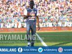 makan-konate-pemain-arema-fc-di-stadion-kanjuruhan-kabupaten-malang_20180715_164748.jpg