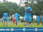 mantan-striker-persela-lamongan-ahmad-nur-hardianto-saat-mengikuti-latihan-arema-fc_20171204_182244.jpg