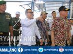 menhan-jenderal-tni-purn-ryamirzad-ryacudu-meninjau-produksi-tank-boat-di-banyuwangi_20180728_144527.jpg