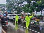 mobil-mogok-banjir-malang.jpg