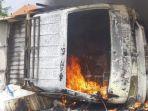 mobil-pikap-nopol-l-8109-ab-terguling-dan-terbakar-di-tol-surabaya-mojokerto-sumo.jpg