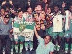 momen-saat-persebaya-surabaya-menjadi-juara-liga-indonesia-musim-19961997.jpg