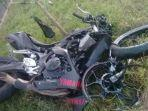 motor-honda-cbr-kecelakaan-di-jalan-raya-desa-batu-kerbuy-kecamatan-pasean-pamekasan.jpg