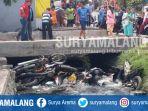 motor-yang-diceburkan-ke-sungai-dalam-bentrokan-di-desa-tambaksawah-waru-sidoarjo_20181021_121211.jpg