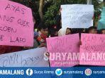 ojek-online-unjuk-rasa-di-depan-kantor-bawaslu-kabupaten-malang.jpg