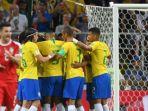 para-pemain-brasil-merayakan-gol-yang-dicetak-oleh-paulinho_20180628_092332.jpg