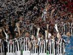 para-pemain-juventus-merayakan-keberhasilan-menjuarai-coppa-italia_20180510_080928.jpg