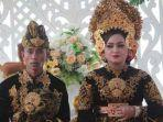 pasangan-pengantin-yang-pernikahannya-viral-di-lombok-lestari-kanan-dedi-kiri.jpg