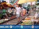 pasar-tradisional-di-dekat-rel-kereta-api-stasiun-pasar-turi-surabaya_20170531_151937.jpg