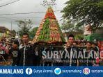 pawai-grebek-syawal-sewu-kupat-di-desa-temuguruh-kecamatan-sempu-banyuwangi_20180621_164455.jpg