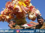 pawai-gunungan-opak-di-desa-selorejo-kecamatan-dau-kabupaten-malang252.jpg