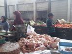 pedagang-ayam-dj-pasar-mangli-jember.jpg