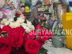 pedagang-bunga-mawar-di-kota-malang.jpg