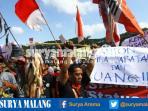 pedagang-pasar-merjosari-demo-di-balai-kota-malang_20161111_181624.jpg