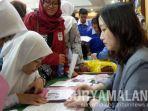 pelajar-smasmk-di-jatim-mencari-informasi-beasiswa-dalam-2019-tianjin-higher-education-fair.jpg