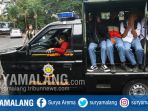 pelajar-yang-membolos-sekolah-menuju-kantor-satpol-pp-kota-malang_20171024_164743.jpg