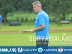 pelatih-fisik-arema-fc-dusan-momcilovic-dalam-latihan-arema-fc_20171201_200216.jpg