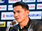 pelatih-thailand-kiatisuk-senamuang_20161212_182740.jpg