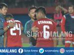 pelatih-timnas-indonesia-u-19-indra-sjafri-menenangkan-pemainnya-saat-dikalahkan-malaysia_20180712_223548.jpg
