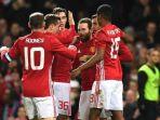 pemain-manchester-united-merayakan-gol-juan-mata-ke-gawang-hull-city_20170111_060436.jpg