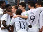 pemain-perancis-merayakan-gol-raphael-varane-kanan-ke-gawang-uruguay_20180706_221339.jpg