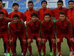 pemain-timnas-indonesia-u-19-sebelum-lawan-vietnam-pada-laga-ketiga-grup-b-piala-aff_20170915_134041.jpg