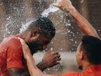 pemain-timnas-u-22-indonesia-marinus-wanewar-dan-andi-setyo-piala-aff-u-22-2019.jpg