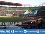 pemandangan-di-stadion-gelora-bung-tomo-gbt-surabaya-saat-laga-persebaya-vs-persija.jpg