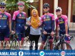 pemandu-balap-sepeda-banyuwangi_20181001_172945.jpg