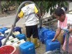 pembagian-air-bersih-di-jombang_20181018_184000.jpg