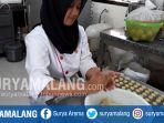 pembuatan-kue-kering-untuk-lebaran-di-vanda-pastry-smkn-3-kota-malang_20170607_161045.jpg