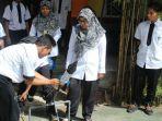 pembuatan-roket-air-oleh-siswa-smk-nasional-kota-malang-yang-ikut-club-sains_20180123_165330.jpg