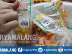 pemusnahan-makanan-kadaluarsa-dalam-razia-di-kota-malang_20170531_211040.jpg